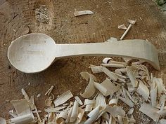 A tutorial on Carving Wooden Spoons...I've always wanted to try this.