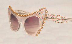 FABULOUS Sunglasses Vintage WHITE CAT'S EyE 1960 par FeverVintage