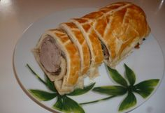 Szűzpecsenye Wellington baconnel Sushi, Bacon, Mexican, Bread, Ethnic Recipes, Food, Reception, Brot, Essen