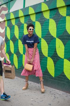Karen Blanchard is wearing white sunglasses with a gingham ruffle skirt and Castaner espadrilles Espadrilles Outfit, Castaner Espadrilles, Street Looks, Street Style, Nyc Fashion, Girl Fashion, Style Afro, Summer Outfits, Cute Outfits