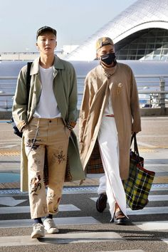 170917 for Burberry at London Fashion Week Pop Fashion, Fashion Brands, Fashion Idol, Minho Winner, Winner Winner, Song Minho, Fashion Figures, Airport Style, Airport Fashion
