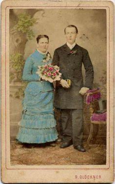 Photographer B. Glöckner in Šumperk (Moravia, Czechia). Vintage Wedding Photos, Wedding Pics, Vintage Weddings, Colored Wedding Dress, Marry You, Victorian Era, Old Photos, Photo S, Retro