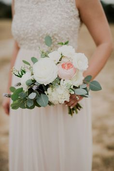 Pop of pink! | Sacred Oaks | Whim Floral | Whim Rentals | Captivating Weddings