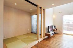 畳コーナーを設置するメリット・デメリット14選 Divider, Room, House, Furniture, Home Decor, Bedroom, Home, Haus, Rooms
