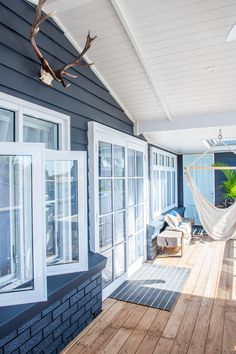 From Brick Box to Timeless Beach House – Beach House Decor Beach Cottage Style, Beach Cottage Decor, Coastal Decor, Cottage Ideas, Beach House Furniture, Pintura Exterior, Beach Shack, Beach Cottages, Tiny Cottages