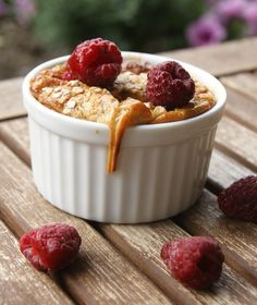 Baked banana oatmeal with raspberries. Super healthy! #oatmeal #oat by/ myfoodpassion.net