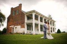 Sarabeth and Payton's Tennessee Plantation Wedding - photo by Justin Wright Photography - seen on YumYumWeddings.com :: Modern Wedding Inspiration