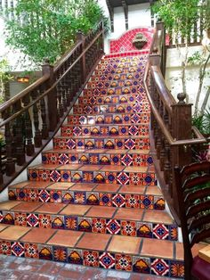 Spanish Style Decor, Spanish Style Homes, Spanish House, Tiled Staircase, Rustic Staircase, Grand Staircase, Tile On Stairs, Staircase Ideas, Mexican Hacienda
