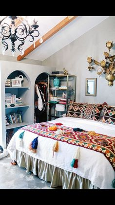Loving this Mexican inspired bedroom. Ole!