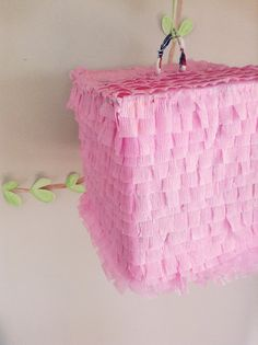 So easy and cheap pinata tutorial! Looks pretty simple! Quick and easy and less of a mess.