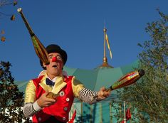 Clowns, Ronald Mcdonald, Fictional Characters, Imperial Crown, Fantasy Characters