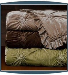 Velvet comforters in woodsy colors King Size Comforter Sets, King Size Comforters, Bedding Sets, Velvet Bed, Velvet Quilt, Velvet Room, Luxurious Bedrooms, Luxury Bedrooms, Master Bedrooms
