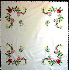 Hand embroidered Hand made Hungarian Table cloth Embroidery Stitches, Embroidery Patterns, Hand Embroidery, Bed Sheet Curtains, Hungarian Embroidery, Clothes Crafts, Chain Stitch, Beautiful Hands, Doilies