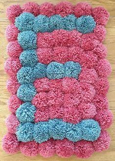 Diy Pom Pom Rug, Pom Pom Crafts, Afghan Crochet Patterns, Knitting Patterns, Tapetes Diy, Flower Shop Decor, Bubble Quilt, Diy Leather Bracelet, Braided Rag Rugs