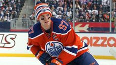 Connor McDavid at the 2016 Heritage Classic Connor Mcdavid, Hockey Rules, Edmonton Oilers, Sports Teams, Hockey Players, Ice Hockey, Division, Athletes, Wings