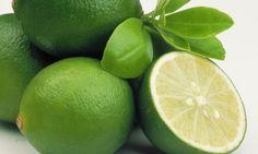 Emagreça com a dieta do suco de berinjela e limão