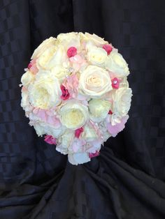 bridal bouquet white light pink hot pink rose garden rose