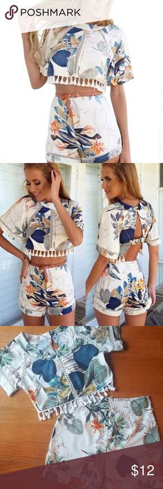 Kranda Women Crop top Kranda Summer Beach Dress Loose T-Shirt Top and Shorts 2 Piece Set Playsuit  Size: XS & Small (Sizes 0-4) Worn only once   Fashion Crop Top Shorts Set fits for Ladies, Teens, Girls, Juniors. Perfect for Beach, Party, Home, Club, Resort, Vacation, Tanning Salon, Casual Wear in Summer. Material: The sexy women 2 Piece Outfits is made of high quality chiffon. Lightweight and breathable, cozy to wear. Feature: Decorative tassles, Short Sleeve, Shorts Kranda Shorts Skorts