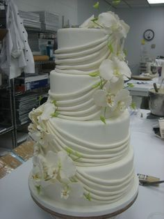 Image detail for -The Beautiful Orchids Wedding Cake Orchid Wedding Cake, Orchid Cake, Unique Wedding Cakes, Cream Wedding, Our Wedding, 50th Wedding Anniversary Cakes, Cupcake Cakes, Cupcakes, Cake Decorating