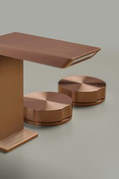 Stainless steel in copper, bronze, brass and black diamond versions