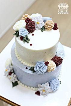 Korean Buttercream Flower, Buttercream Flower Cake, Beautiful Cakes, Amazing Cakes, Gateau Cake, Types Of Wedding Cakes, Cake Models, Cake Name, Cake Craft