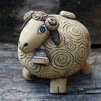 Pottery Pots, Slab Pottery, Clay Turtle, Sheep Crafts, Sheep Art, Shaun The Sheep, Hand Built Pottery, Ceramic Animals, Modern Sculpture