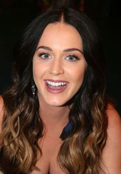 ( MUSIC ♪♫♪♪ 2016 ★ KATY PERRY ) ★ ♪♫♪♪ Katheryn Elizabeth Hudson - Thursday, October 25, 1984 - 5' 8'' - Santa Barbara, California, USA.