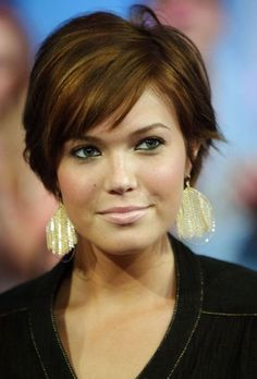 Astounding Diy Ideas: Pixie Shag Hairstyles older women hairstyles african american.Shag Hairstyles How To. Short Hair Cuts For Round Faces, Round Face Haircuts, Straight Haircuts, Short Cuts, Long Faces, Short Wavy, Long Layered, Short Blonde, Medium Blonde