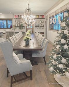 Farmhouse Decor Living Room, Home, Long Dining Room Tables, Big Dining Room Tables, Dinner Room, Dining Room Accessories, House Essentials, Dining Table Chairs, Dining Room Table Decor