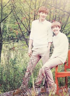 Chanyeol and Baekhyun of EXO ♡ I really love them! And I love Baekhyun's smile in this picture! Exo Chanbaek, Chanyeol Baekhyun, Chanbaek Fanart, Exo Exo, Park Chanyeol, Exo Couple, Exo Official, Exo Korean, Xiuchen