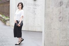 www.blackbeachchair.com simple black and white fashion outfit culottes