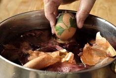 Ouă vopsite cu coji de ceapă|Ouă decorate cu frunze și vopsite cu ceapă Fine Dining