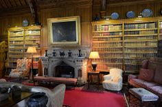 038-20120714_Tyntesfield-Somerset-Library-N wall and central fireplace viewed from SE corner of room | Flickr: Intercambio de fotos