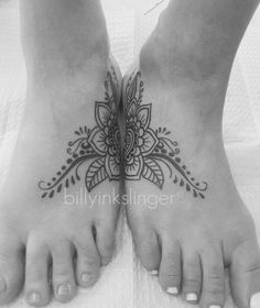 Matching tattoos mother/daughter