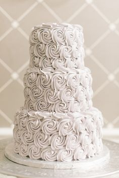 The cake of our dreams: http://www.stylemepretty.com/virginia-weddings/alexandria/2015/04/02/traditional-hotel-monaco-wedding/ | Photography: Elizabeth Fogarty - http://elizabethfogartyphotography.com/