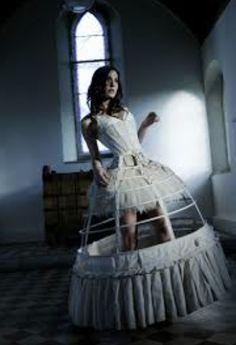 Birdcage Petticoat  |  High Fashion Ideas  | Model Pose
