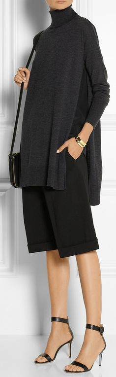 Charcoal wool Slips on wool Dry clean Designer color: Dark Gray Pretty Outfits, Chic Outfits, Fashion Outfits, Mode Cool, Fall Winter Outfits, Cute Fashion, Passion For Fashion, Knitwear, Turtle Neck