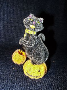 Rare VTG SCF Waxed Resin Trick-Or-Treating Black Cat on Pumpkin Figurine EUC