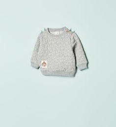 Image 1 de SWEAT MATELASSÉ À ÉTOILES de Zara