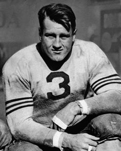 Bronko Nagurski - A tough-nosed bruiser at the running back position, Bronko Nagurski led the Bears to two NFL championships. But most impressive was his record championship ring size, sitting at a modest (the average male is And he had perhaps Football Names, Football And Basketball, Football Pictures, School Football, Sports Photos, Football Players, Sports Images, Baseball, Nfl Bears