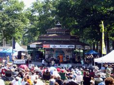 Picture taken of an act appearing at the Grandstand of The Beaches Jazz Festival, Toronto, the afternoon of July 2005 Stuff To Do, Things To Do, Jazz Festival, Old And New, Beaches, Toronto, Times Square, The Neighbourhood, Street View