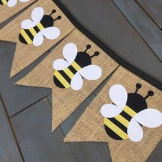 Honey Bumble Bee First Birthday Party Decorations Pennant Bunting Burlap Banners for Food Table, Photo Backdrop, Nursery Black & Yellow Honig Hummel erste Geburtstagsfeier Dekorationen Wimpel First Birthday Party Decorations, First Birthday Parties, First Birthdays, Birthday Table, Birthday Crafts, Mommy To Bee, Fete Anne, Bumble Bee Decorations, Early Childhood Education