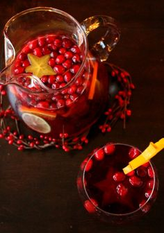 Mock Sangria Punch Thanksgiving Drink: Mock Cranberry Sangria ---- Short on time but looking for the perfect Thanksgiving drink? Mock cranberry sangria will wow your guests. Alcoholic & non-alcoholic versions are available. Thanksgiving Drinks, Holiday Drinks, Holiday Recipes, Fall Drinks, Winter Recipes, Christmas Recipes, Holiday Ideas, Christmas Ideas, Christmas Decorations