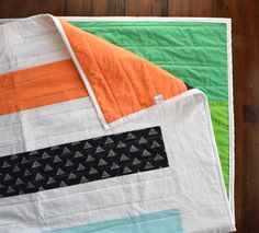 The Over/Under Quilt - Modern Stripe Quilt by VKmadequilts on Etsy https://www.etsy.com/listing/221183563/the-overunder-quilt-modern-stripe-quilt