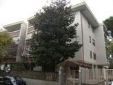 Immobiliare Roma Appartamento attico in vendita - 110 mq -  N.D.  Roma via romolo valli 11 zona Talenti  GIARDINO NOMENTANO / Via Romolo Valli In signorile comprensorio si cura la locazione di un attico con mansarda; il piano attico di 90 mq è composto da: ampio salone cucina ab.le due camere doppi servizi terrazzo di 30 mq; la mansarda di 20 mq è open space. Completa l'immobile un comodo box auto. Per maggiori informazioni EUREKA REAL ESTATE SRL 06.82.09.72.02 opp. 346.13.24.276 CLASSE…