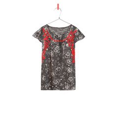 FLORAL T-SHIRT WITH CONTRASTING EMBROIDERY