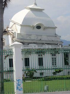 Le palais présidentiel à Port au Prince. Détruit lors du tremblement de terre de 2010, il n'a toujours pas été restauré à ce jour.