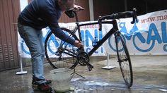 Malini #Cicli ci insegna come lavare la #bicicletta da corsa o la #mountainbike   www.malinibici.it    #bici #bdc #mtb #bologna