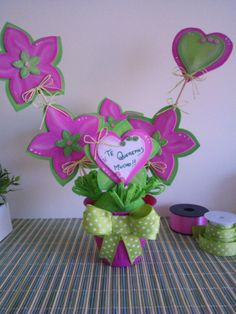 Maceta con flores en goma eva para Mamá