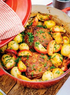 Ricardo& recipe: Braised Pork Roast with Apples Crown Roast Recipe, Rib Roast Recipe, Pork Roast With Apples, Cooked Apples, Pork Ham, Pork Ribs, Kitchen Recipes, Cooking Recipes, Pork Recipes